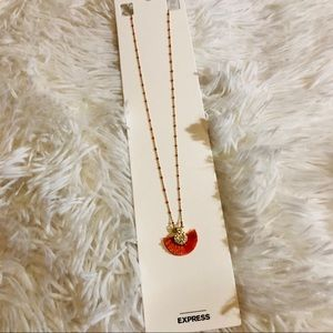 New express necklace